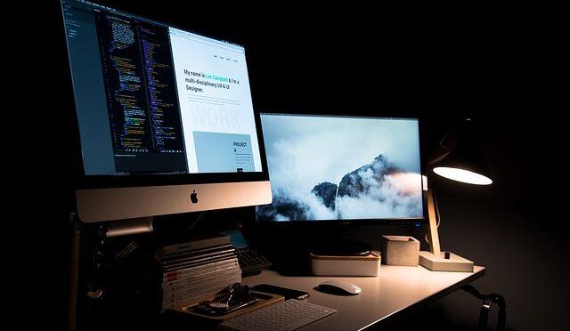 Jak naprawić niewłączającego się MacBook'a